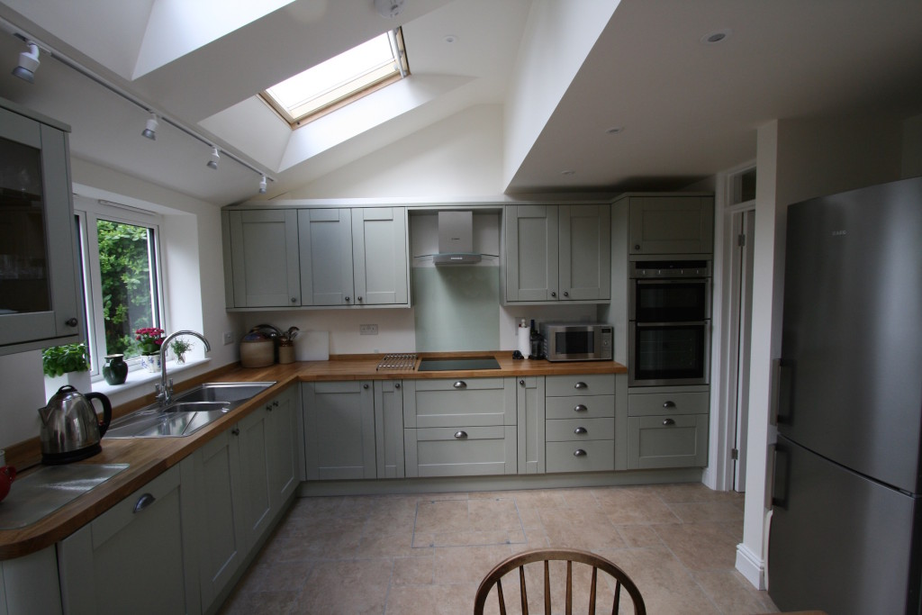 Light and airy kitchen extension